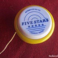 Antigüedades: YO YO FIVE STARS MODELO SUPER. AMARILLO Y BLANCO. Lote 262922225