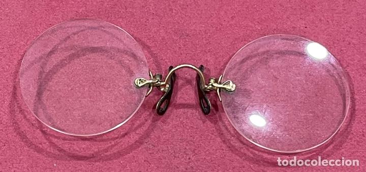 Antigüedades: Antiguas gafas, impertinentes, en oro de 14K, en su funda original - Foto 2 - 263144990
