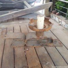 Antigüedades: LAMPARA DE HIERRO FORJADO. Lote 263164120
