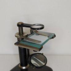 Antigüedades: ANTIGUO MICROSCOPIO DE DISECCIÓN. C 1900. Lote 263208725