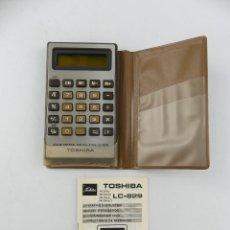 Antiquités: CALCOLADORA DE BOLSILLO TOSHIBA LC-829 CON MANUAL. Lote 263256660