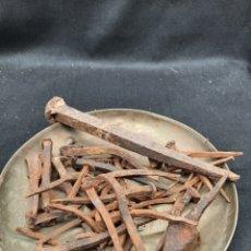 Antigüedades: 2 KILOS DE CLAVOS VARIADOS ANTIGUOS. Lote 263299810