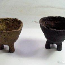Oggetti Antichi: DOS ANTIGUOS CRISOLES PARA METAL JOYERIA. ADAPTADOS. Lote 263549070