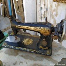 Antigüedades: MÁQUINA DE COSER SINGER.. Lote 263564095
