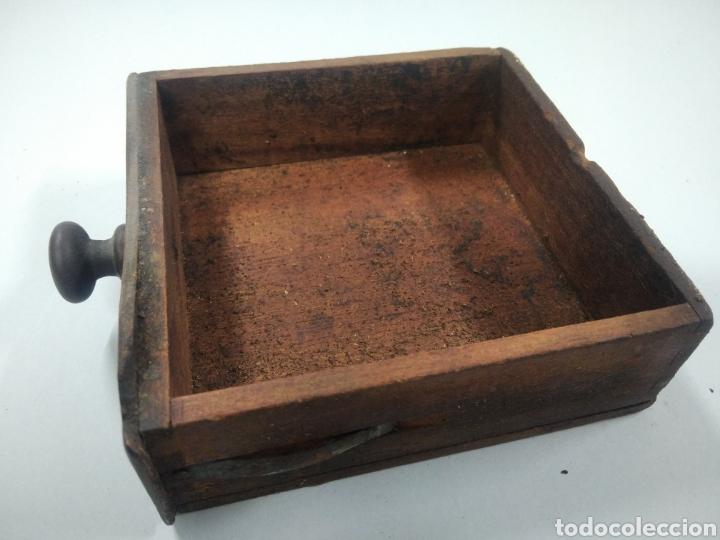 Antigüedades: Antiguo molinillo de café - Foto 9 - 263577120