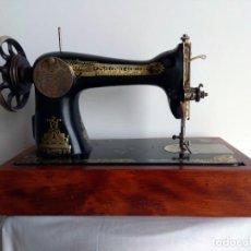 Antigüedades: MAQUINA DE COSER SINGER. Lote 263588895