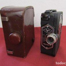 Antigüedades: ANTIGUA CÁMARA FILMADORA DE CINE ALEMANA MARCA AGFA MODELO MOVEX 8 AÑO 1938 CON SU ESTUCHE ORIGINAL. Lote 263743065