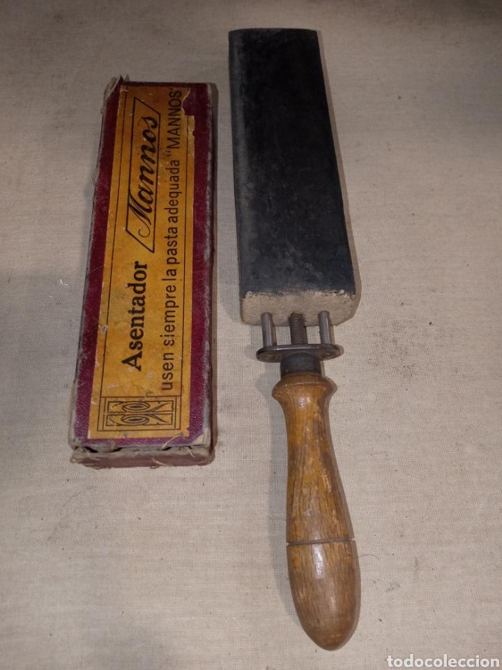 ASENTADOR AFILADOR NAVAJAS MANNOS (Antigüedades - Técnicas - Barbería - Navajas Antiguas)