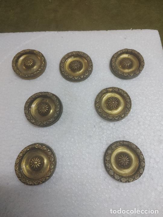 LOTE 7 ANTIGUOS TIRADOR BRONCE MANILLA PARA CAJON MESITA CLASICO COLECCION VINTAJE PRINCIPIOS S. XX (Antigüedades - Técnicas - Cerrajería y Forja - Tiradores Antiguos)
