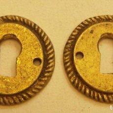 Antigüedades: 2 VIEJOS BOCALLAVES PARA MUEBLE. Lote 264034460