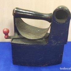 Antiguidades: PRECIOA PLANCHA DE CARBON ANTIGUA. Lote 264139868