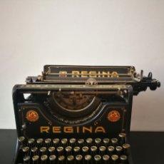Antigüedades: ANTIGUA MÁQUINA DE ESCRIBIR ALEMANA MODELO REGINA VII DE 1923. AÚN FUNCIONA Y SE PUEDE ESCRIBIR.. Lote 264349984