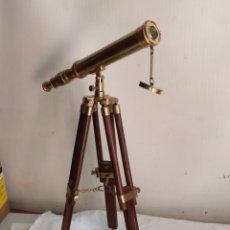 Antiquités: ESPECTACULAR TELESCOPIO FRANCÉS BRONCE TRÍPODE DE MADERA Y BRONCE. Lote 264698144