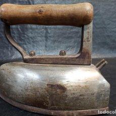 Antigüedades: ANTIGUA Y DECORATIVA PLANCHA ELÉCTRICA. CG2. Lote 265436264