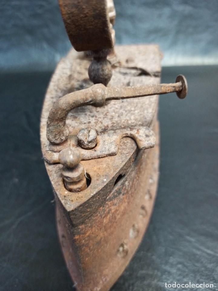 Antigüedades: Antigua plancha de carbón. CG2 - Foto 4 - 265446064