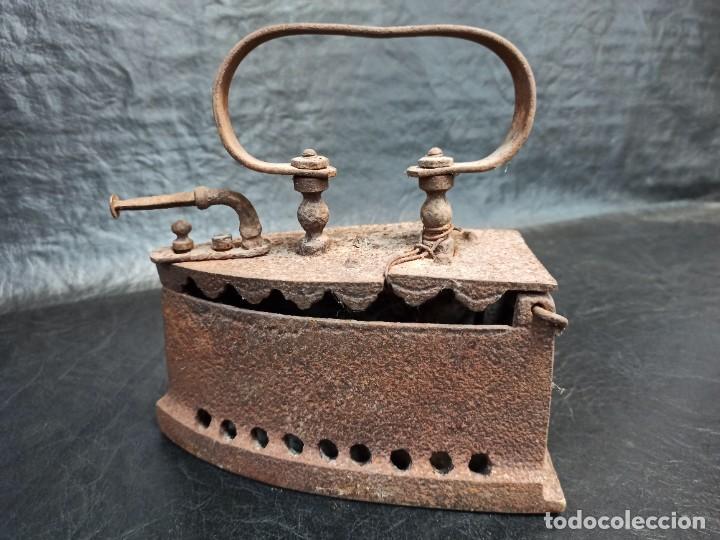 Antigüedades: Antigua plancha de carbón. CG2 - Foto 7 - 265446064