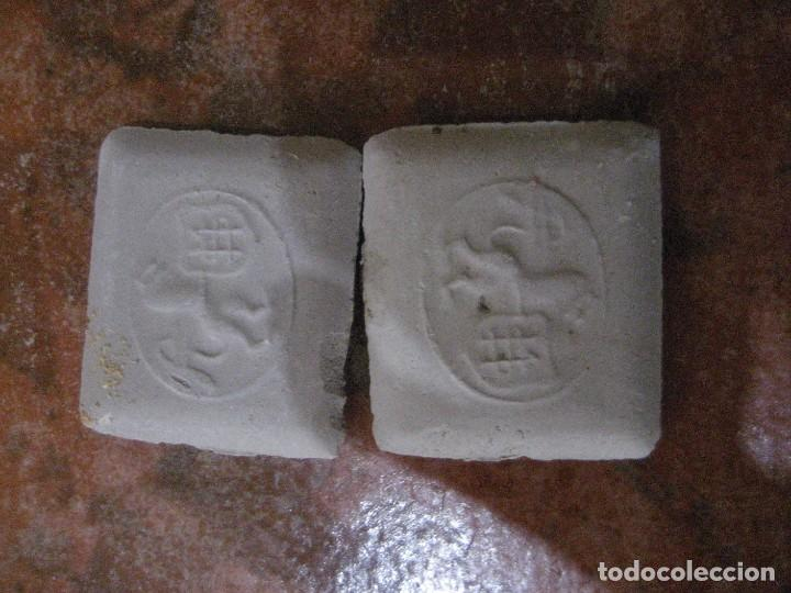 Antigüedades: caja con unas 50 tizas jaboncillos para marcar sastre modista, carpintero - Foto 8 - 265476644