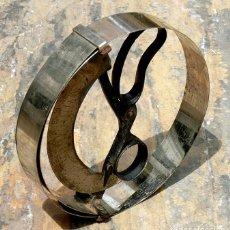 Antigüedades: ANTIGUO MEDIDOR DE SOMBREROS - BRONCE Y METAL - TALLADOR - INSTRUMENTO TÉCNICO - ESCALA - COLECCIÓN. Lote 265682999