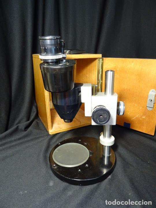 Antigüedades: antigua Lupa binocular española. BOBES, con su caja, microscopio, optica, laboratorio - Foto 2 - 265697449