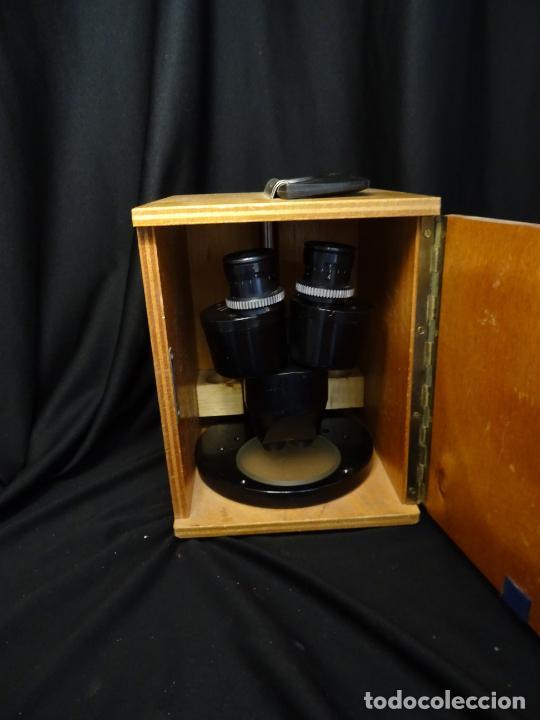 Antigüedades: antigua Lupa binocular española. BOBES, con su caja, microscopio, optica, laboratorio - Foto 10 - 265697449