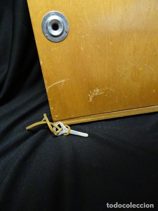 Antigüedades: antigua Lupa binocular española. BOBES, con su caja, microscopio, optica, laboratorio - Foto 12 - 265697449