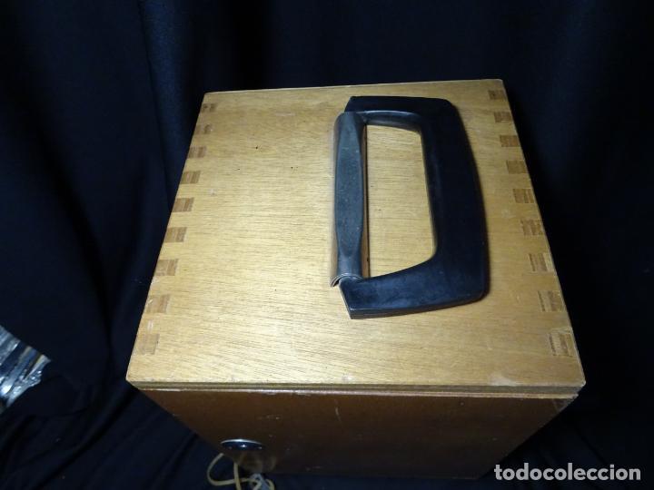 Antigüedades: antigua Lupa binocular española. BOBES, con su caja, microscopio, optica, laboratorio - Foto 13 - 265697449