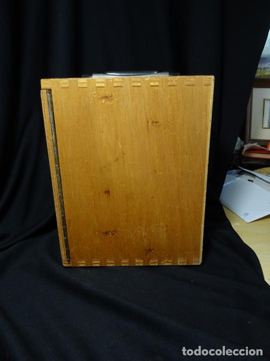 Antigüedades: antigua Lupa binocular española. BOBES, con su caja, microscopio, optica, laboratorio - Foto 15 - 265697449