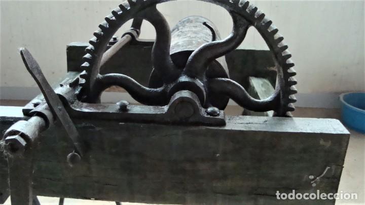 Antigüedades: Maquina antigua para recoger cuerda - Foto 2 - 265836909