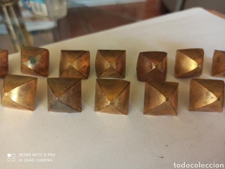 Antigüedades: Lote 14 clavos antiguos decorativos latón - Foto 4 - 266326588