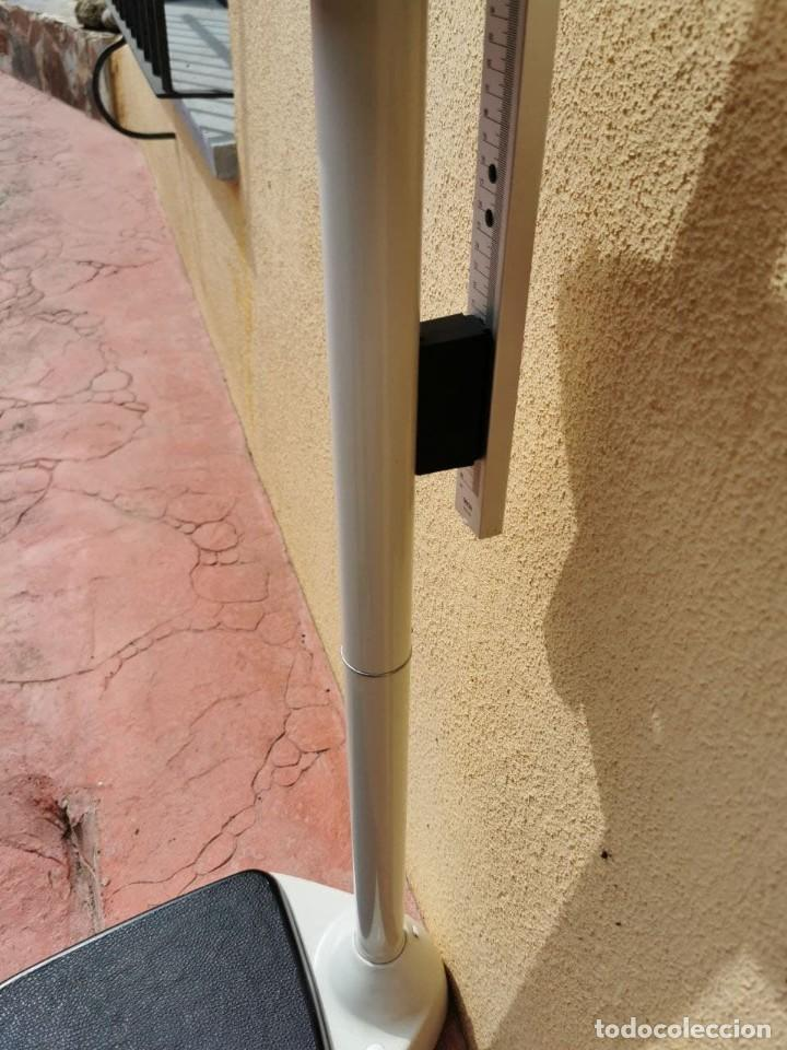 Antigüedades: Báscula marca SECA de uso médico o farmacéutico con peso y altura, funciona perfectamente - Foto 11 - 266549453