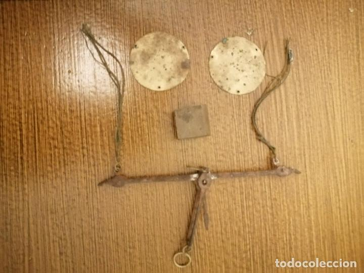Antigüedades: ROMANA PEQUEÑA CON CAJA ORIGINAL, SOLO CON LA PESA DE ONZA, MIDE: 14 X 7 X 2,50 C.M. VER FOTOS - Foto 4 - 266714178