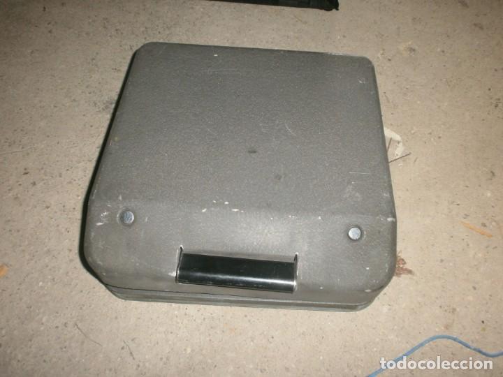 Antigüedades: Antigua Máquina de escribir portatil hermes baby con maletin hierro buen estado marca sello gastado - Foto 4 - 266796739