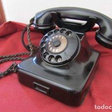 Teléfonos: TELÉFONO DE MESA ALEMÁN ANTIGUO DE BAQUELITA MODELO W36 HECHO EN ALEMANIA A PARTIR FINALES AÑOS 30. Lote 267198594