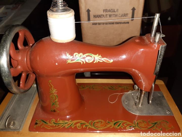 Antigüedades: Pequeña Maquina de Coser, Rusa, No Juguete. - Foto 6 - 267239364