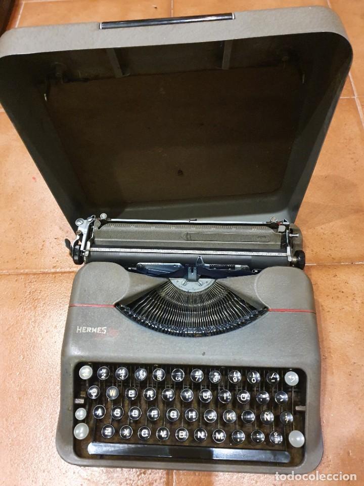 MÁQUINA DE ESCRIBIR HERMES BABY FUNCIONANDO CON CAJA BUEN ESTADO (Antigüedades - Técnicas - Máquinas de Escribir Antiguas - Hermes)