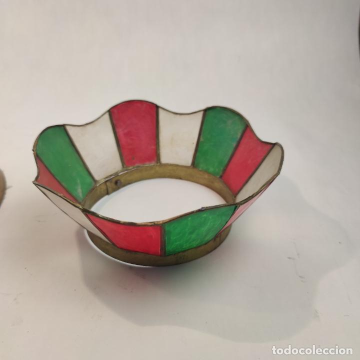 Antigüedades: Bella lámpara de mesa o despacho en bronce. Tulipa de nácar. Funcionando. Doble bombilla. - Foto 4 - 267341739