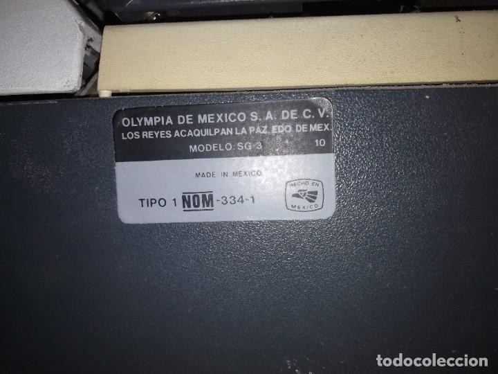 Antigüedades: ANTIGUA MAQUINA DE ESCRIBIR OLYMPIA SG-3 MODELO HECHO EN MEXICO- AÑOS 80 - FUNCIONANDO - Foto 5 - 267406514