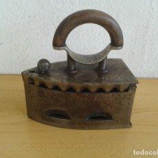 Antigüedades: PLANCHA ANTIGUA DE CARBON DE HIERRO Nº 5. Lote 267414889