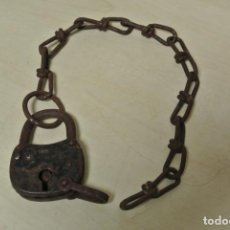 Antigüedades: ANTIGUO CANDADO CON CADENA. Lote 267523404