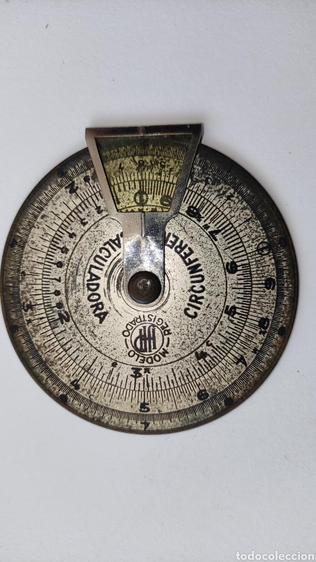 Antigüedades: Antigua circunferencia calculadora analógica de latón en funda piel modelo registrado - Foto 2 - 267567119