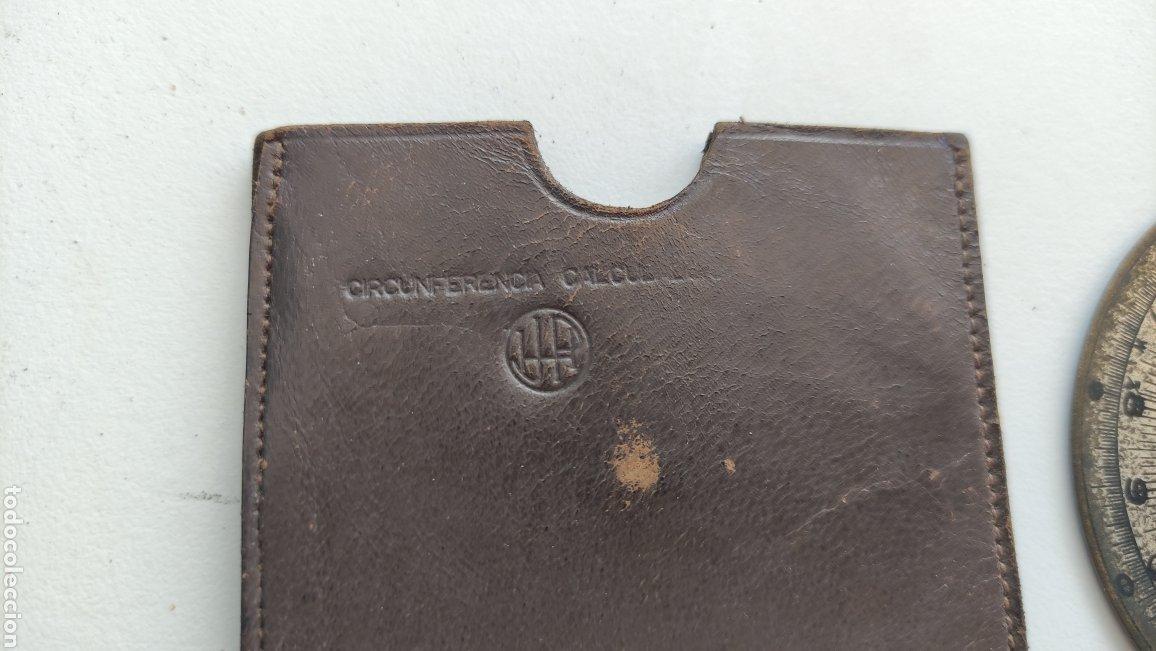 Antigüedades: Antigua circunferencia calculadora analógica de latón en funda piel modelo registrado - Foto 3 - 267567119