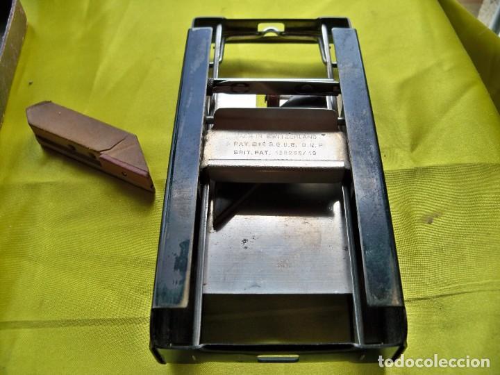 Antigüedades: Antiguo suavizador de cuchillas de afeitar ALLEGRO made in Switzerland en caja original - Foto 3 - 267568634