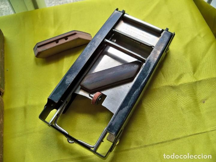 Antigüedades: Antiguo suavizador de cuchillas de afeitar ALLEGRO made in Switzerland en caja original - Foto 4 - 267568634