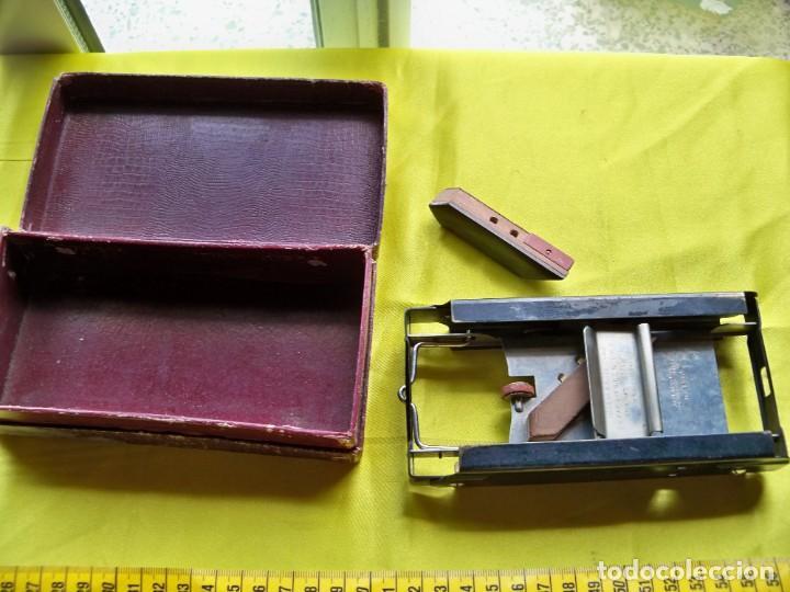 Antigüedades: Antiguo suavizador de cuchillas de afeitar ALLEGRO made in Switzerland en caja original - Foto 6 - 267568634