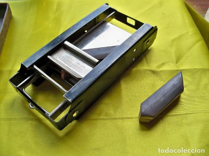Antigüedades: Antiguo suavizador de cuchillas de afeitar ALLEGRO made in Switzerland en caja original - Foto 7 - 267568634