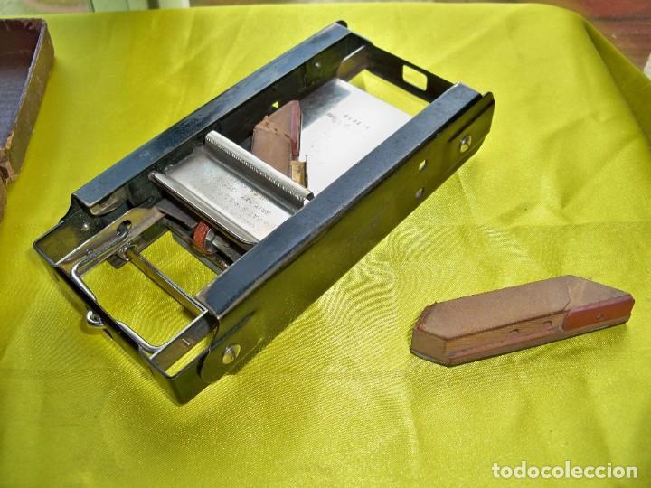 Antigüedades: Antiguo suavizador de cuchillas de afeitar ALLEGRO made in Switzerland en caja original - Foto 8 - 267568634