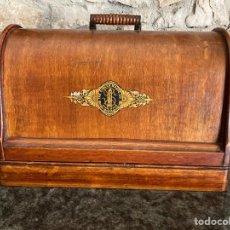 Antigüedades: MÁQUINA DE COSER SINGER. Lote 267856799