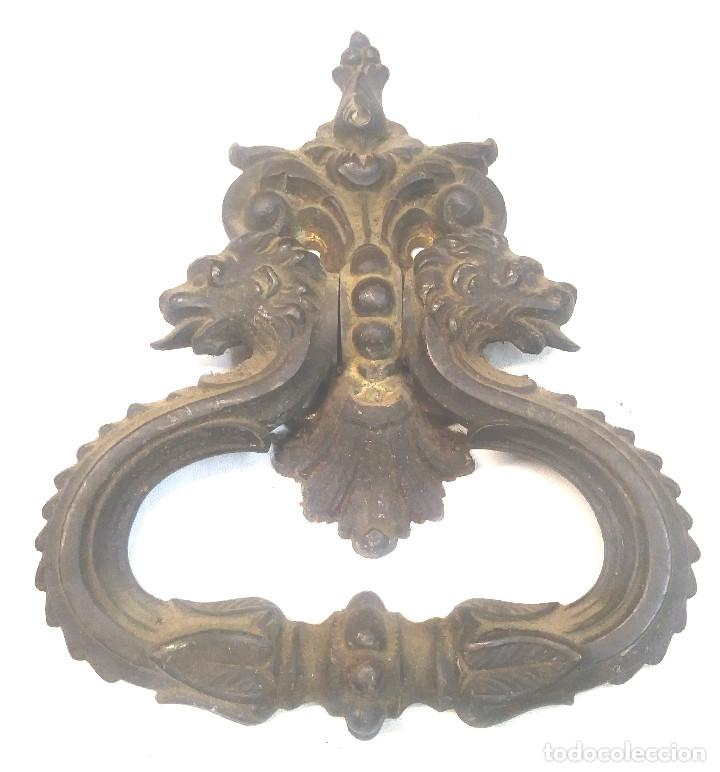 Antigüedades: Pareja Tiradores Puerta Bronce Cabezas Leones S XIX. Med. 13 x 16 cm - Foto 2 - 267858929