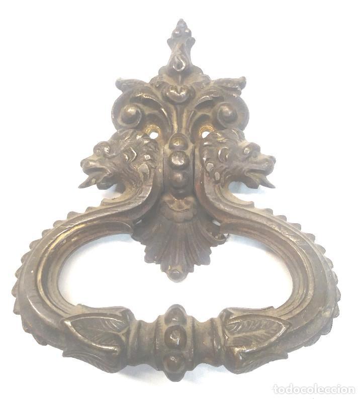 Antigüedades: Pareja Tiradores Puerta Bronce Cabezas Leones S XIX. Med. 13 x 16 cm - Foto 3 - 267858929