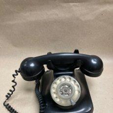 Teléfonos: TELÉFONO ANTIGUO STANDARD ELÉCTRICA DE BAQUELITA. Lote 268159359